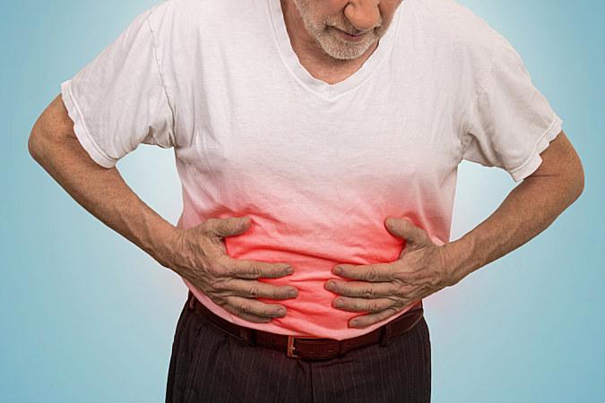 美国营养学家提示,腹胀可能是吃咸了