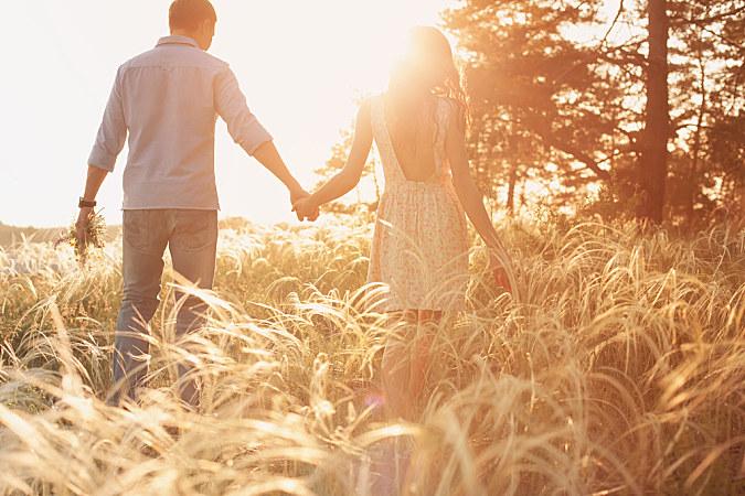 """""""吸引力法則""""找到真愛,記住這8個要點"""