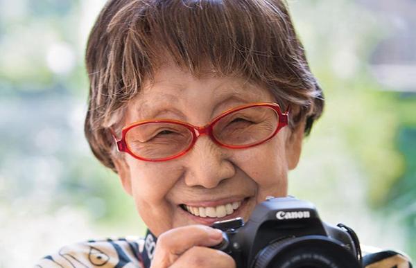 """71歲上班,96歲失戀,102歲拿獎:日本有位107歲的攝影""""女神"""""""