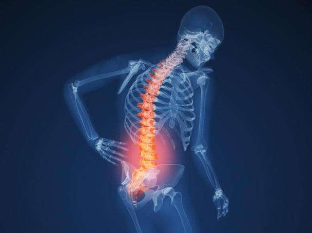 腰痛,推推脊柱