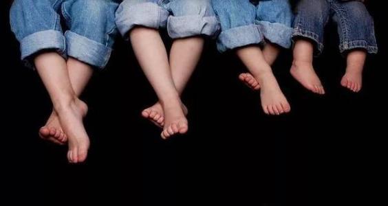 一條有味道的推送:同樣都是腳,為什么有些人的那么臭?