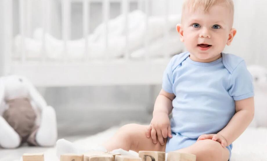 寶寶學坐有四個節點