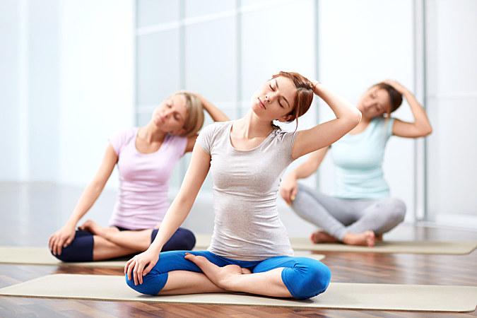 6個雙人的瑜伽初級動作,健身又溫情